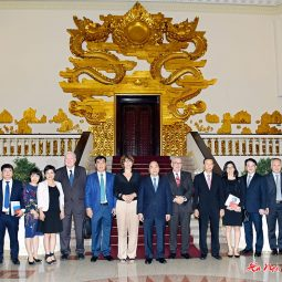 The Prime Minister receives the Dutch, Belgian ambassadors and investors