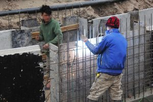 (Tiếng Việt) Công nhân khẩn trương thi công, hoàn thiện dự án đường trăm tỉ ở Hà Nội